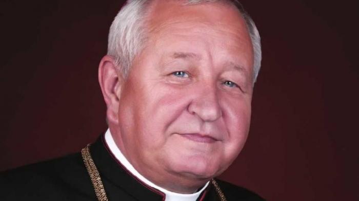Prenos z pohrebu biskupa Štefana Sečku