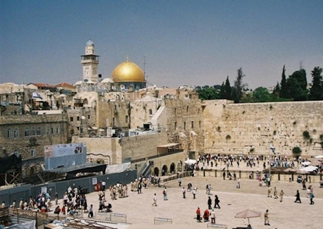 Hlavy cirkví Jeruzalema apelujú za mier na Kaukaze