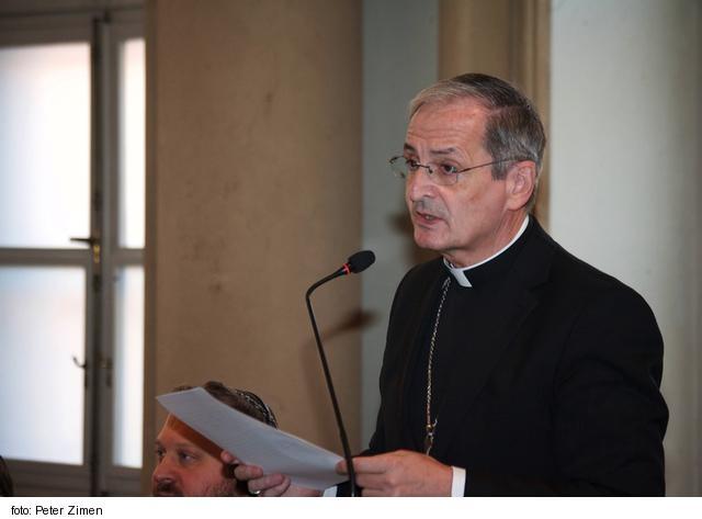 Mons. Zvolenský dúfa, že politickí predstavitelia nezostanú len pri slovách