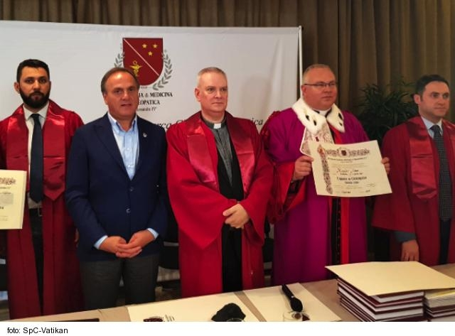 Talianska vysoká škola udelila čestný doktorát Mons. Adamovi
