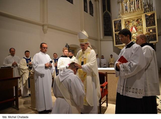 Arcibiskup Zvolenský vysvätil za kňaza poľského rehoľníka