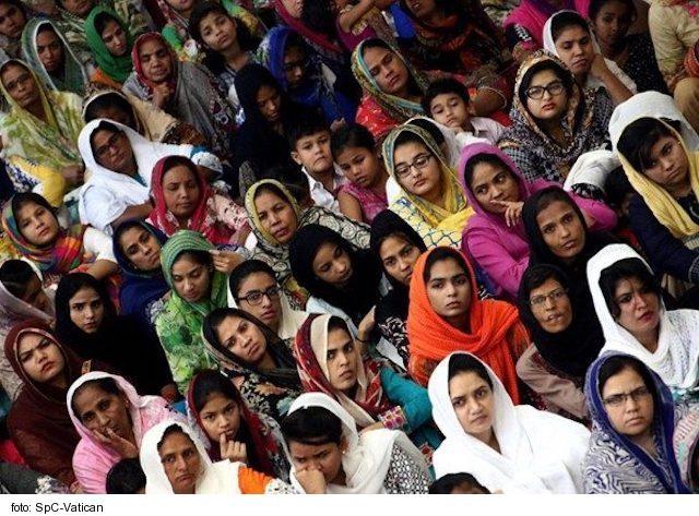 Mlčanie sveta o dráme maloletých pakistanských kresťaniek