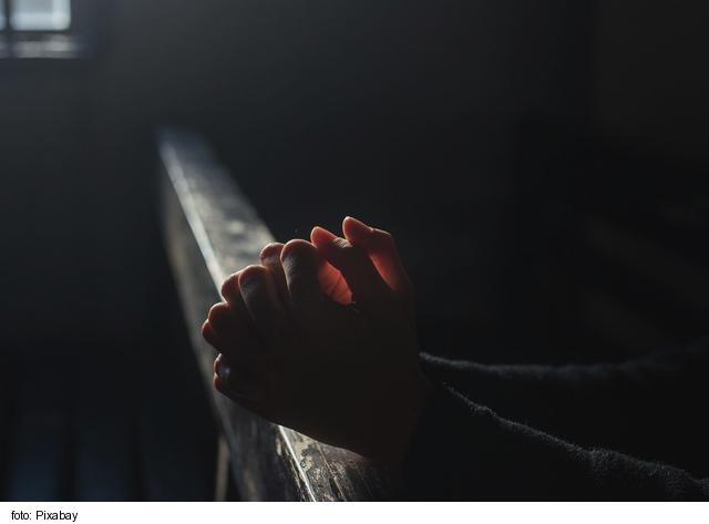 Českí biskupi vyzvali k dennej modlitbe svätého ruženca