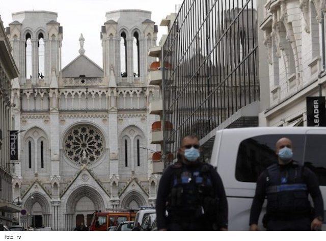 Francúzski katolíci sa musia znepokojovať