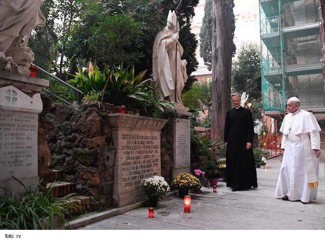 Pápež František: Nádej nás priťahuje a dáva zmysel životu