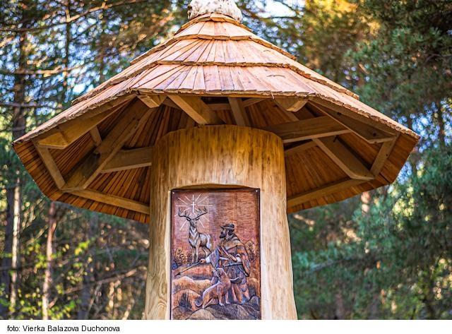 V Kláštore pod Znievom vytvorili kaplnku svätého Hurberta z dreva