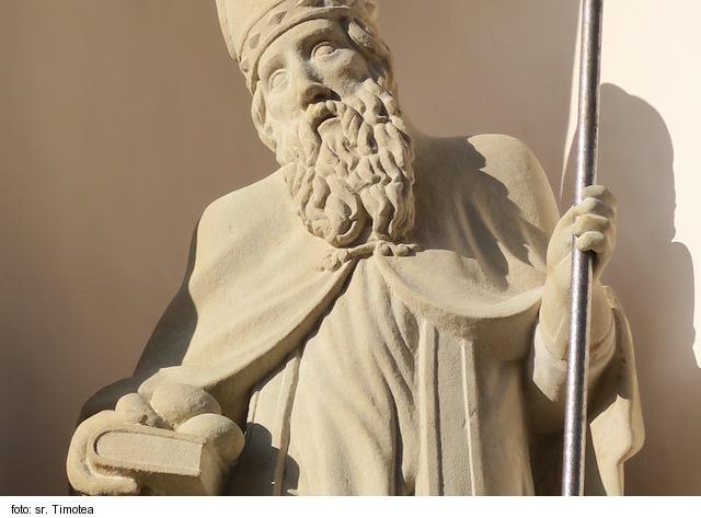 Na kostole v Kláštore pod Znievom pribudla nová socha