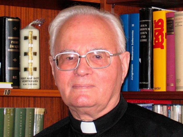 29.8. odvysielame priamy prenos z pohrebu biskupa D. Kaľatu