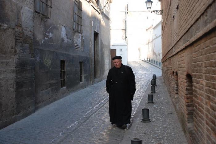 PODCAST: Majú kňazi nosiť rúška na sv. omši?
