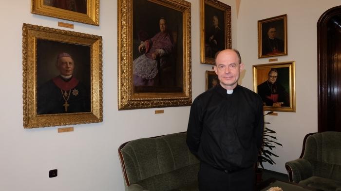 Biskup Chovanec: Šťastím človeka je možnosť prísť domov
