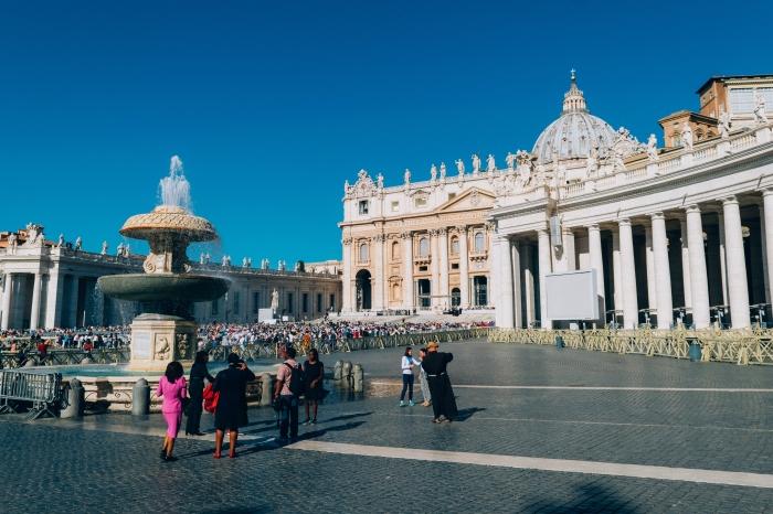 Pápež bude na Zelený štvrtok umývať nohy väzňom