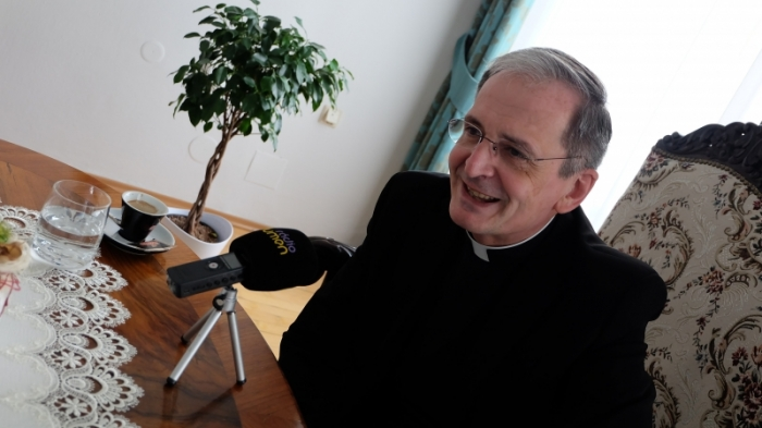 ZAOSTRENÉ: S arcibiskupom Zvolenským o obnovení bohoslužieb a kampaniach proti Cirkvi