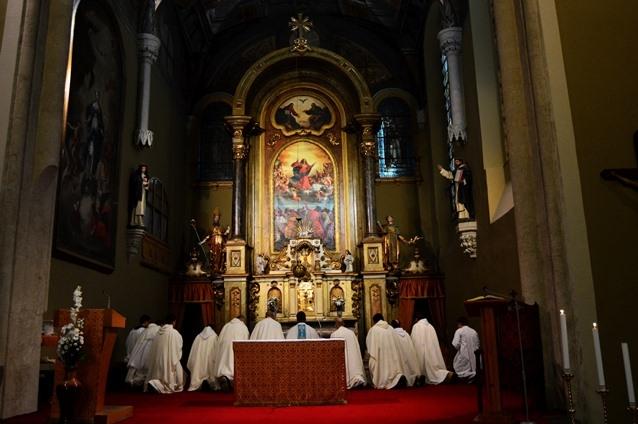 Čo je typické pre katolícku vierouku?