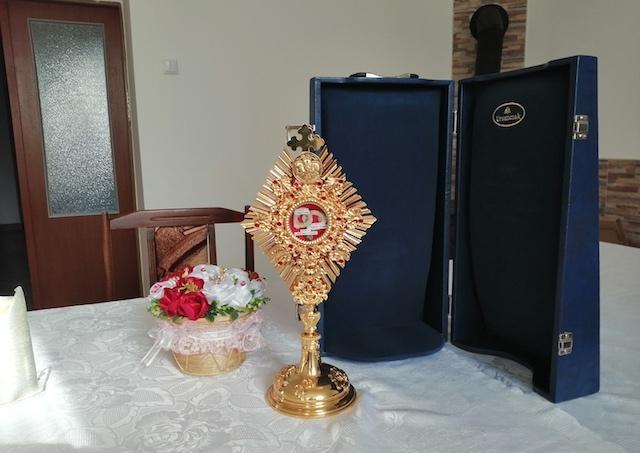 Pri príležitosti 30. výročia vzniku eRka putujú relikvie jeho patrónov po Slovensku
