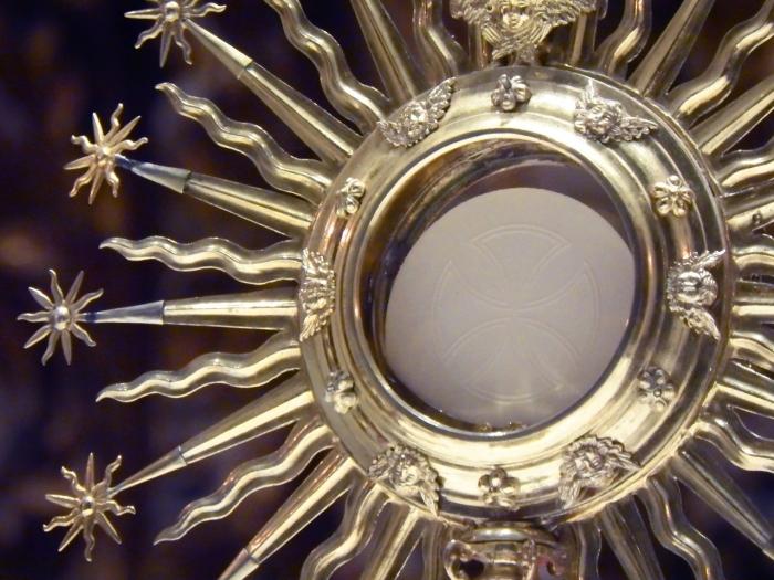 Cirkev oslávi sviatok Kristovho tela a krvi