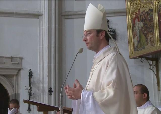 Biskup Marek Forgáč mal svätú omšu za obete sexuálneho zneužívania