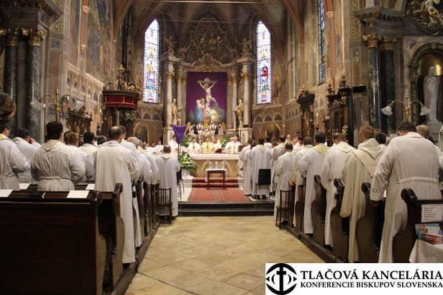 Zelený štvrtok pripomenie ustanovenie Oltárnej sviatosti