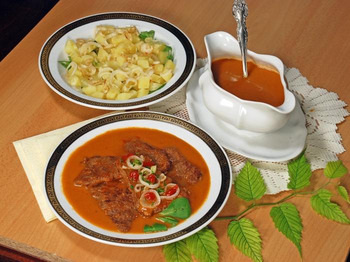 Na skok do kuchyne (14): Hovädzie plátky v pikantnej omáčke