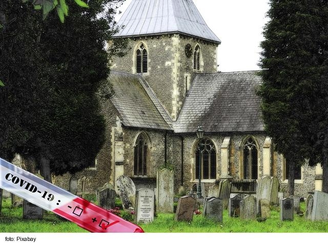 Kostoly od dnes nebudú musieť byť úplne zavreté