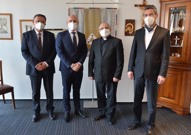 Vedenie Katolíckej univerzity sa stretlo s vedením ministerstva školstva