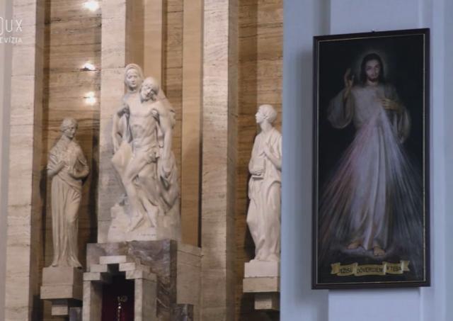 V nedeľu napoludnie sa rozozvučali zvony kostolov