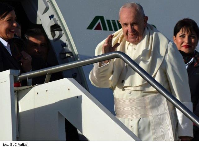 Otázky o finančnej rentabilite návštevy pápeža Františka na Slovensku nie sú podľa politológa na mieste