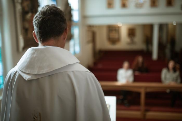AKTUÁLNE: Rozprávali sme sa s kňazmi slúžiacimi v nemocniciach
