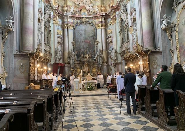 V strede mariánskeho mesiaca máj slávila Rožňavská diecéza Kňazský deň