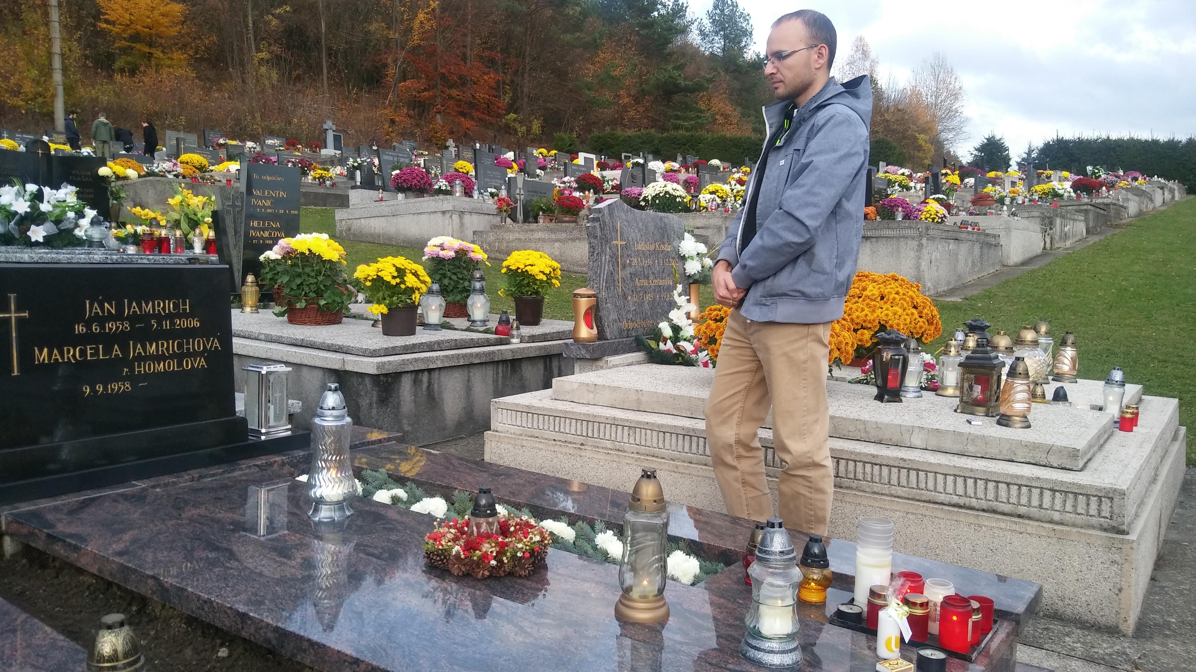 Hrob Jána Jamricha v Podkoniciach navštívil redaktor Ivo Novák