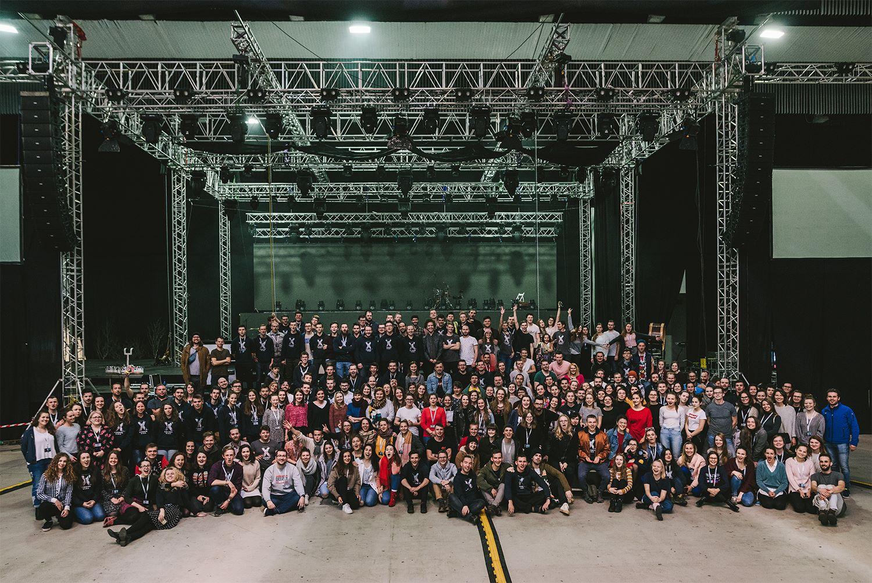 300 členný tím Godzone Tour 2018