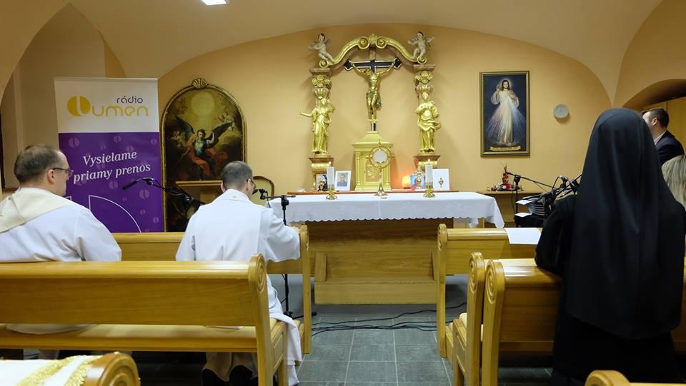 Rozhlasové duchovné cvičenia pred Veľkou Nocou s o. biskupom Jozefom Haľkom