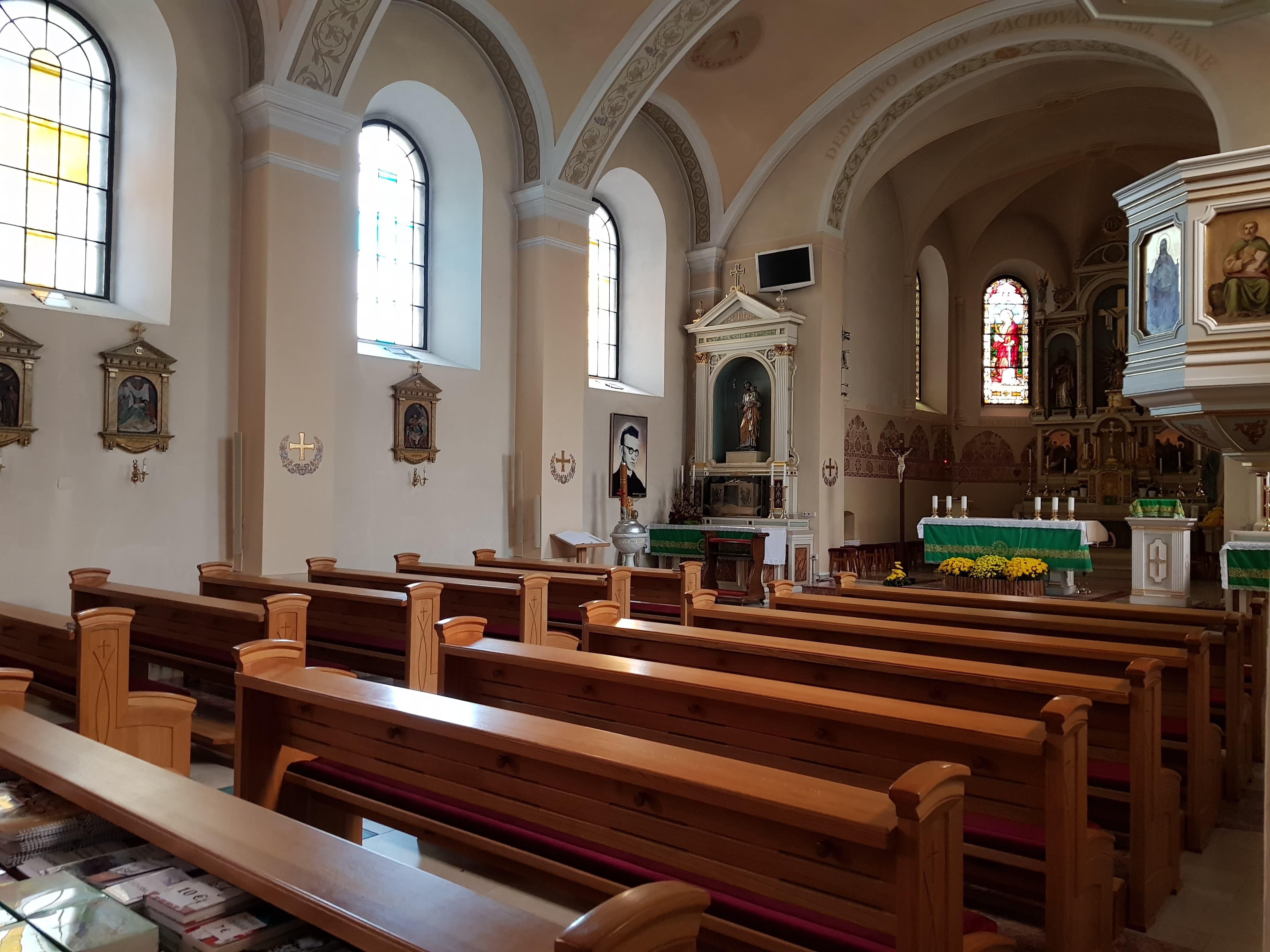 Kostol vo Vajnoroch s obrazom b. Dona Titusa Zemana
