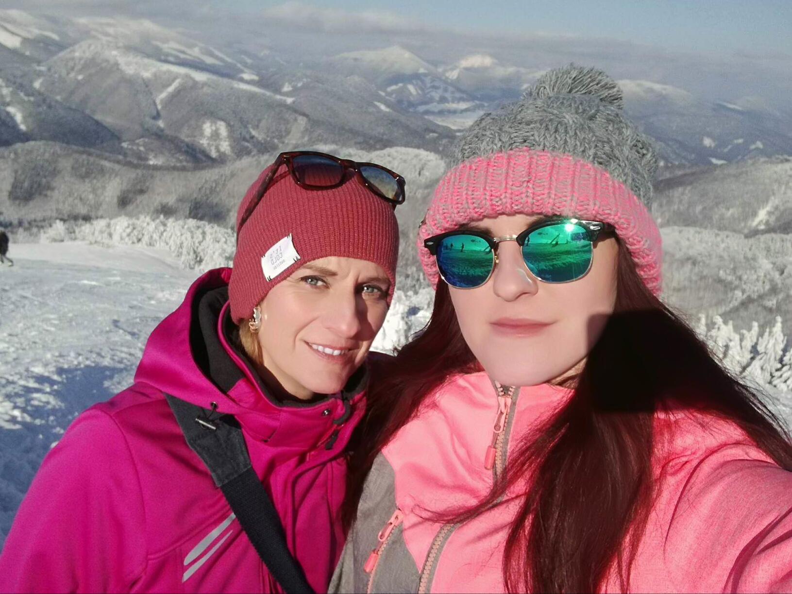 Na lyžovačke s dcérou Jankou, ktorá v minulosti moderovala Svetielko