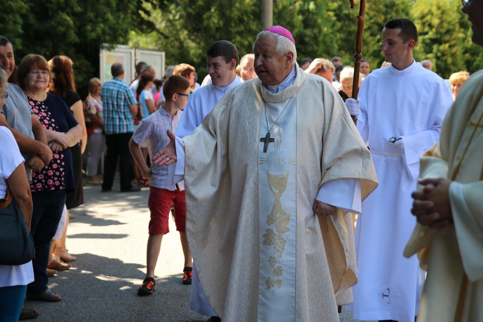 Stretnutie s veriacimi v Zákamennom, v rodisku biskupa Jána Vojtaššáka