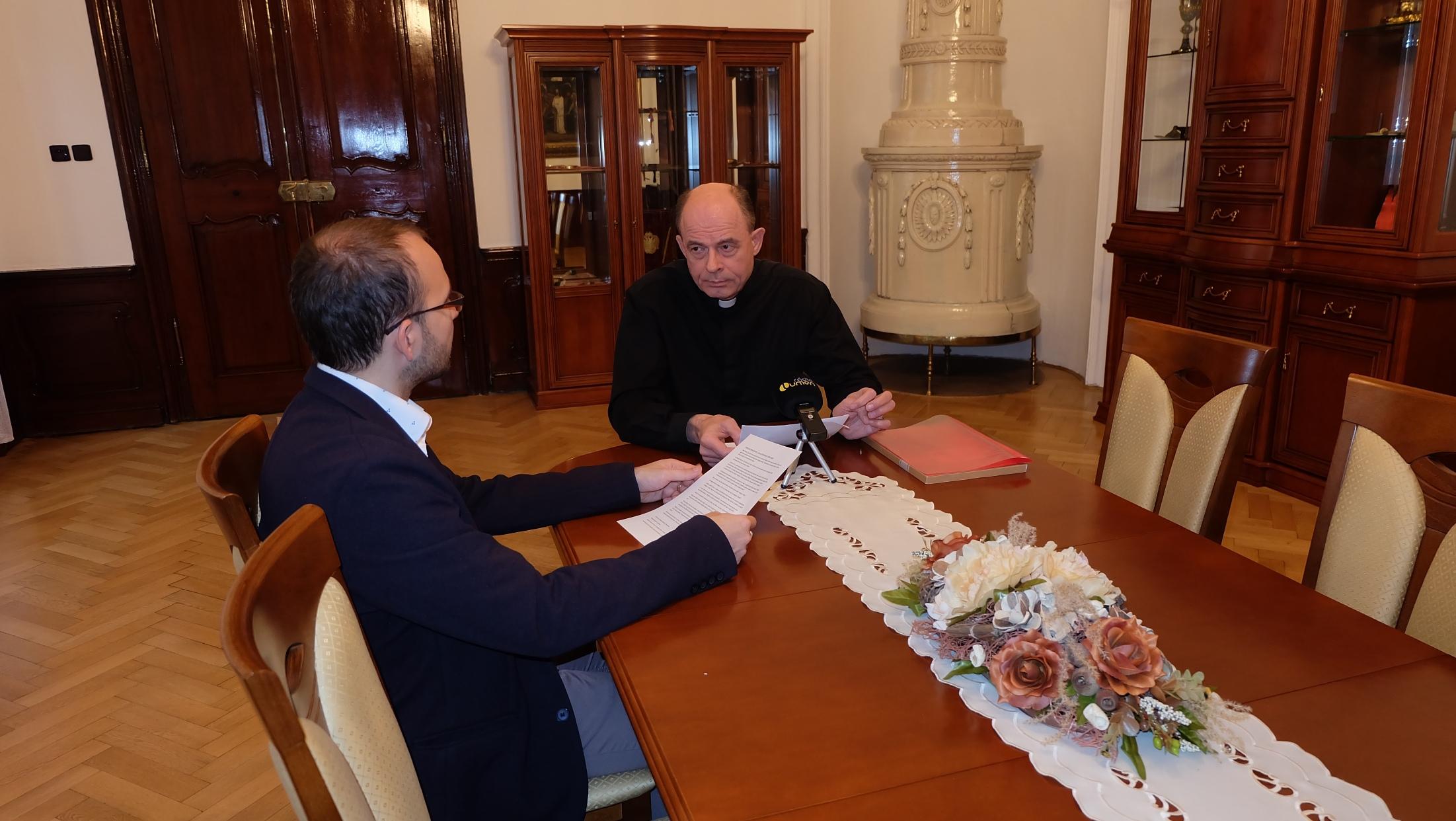 S otcom biskupom sa rozprával redaktor Ivo Novák