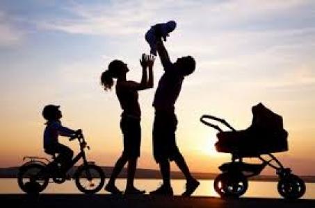 ÚV hovor: Pomoc rodinám v núdzi