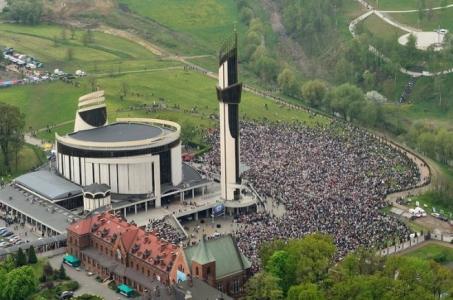 Púť  Rádia LUMEN v Krakove prilákala 25 tisíc pútnikov z celého Slovenska